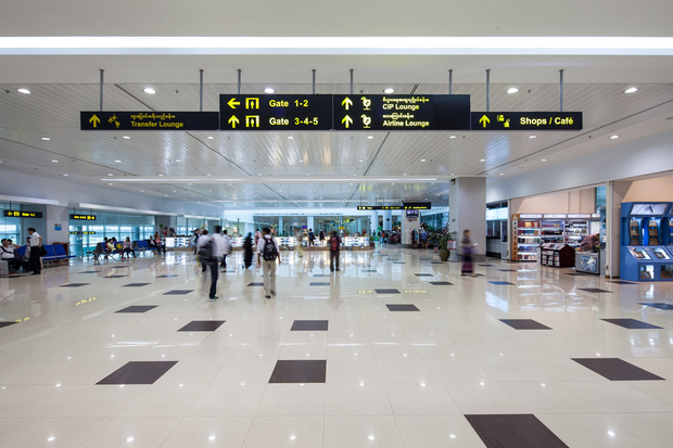 Sân bay Yangon vô cùng rộng rãi, hiện đại