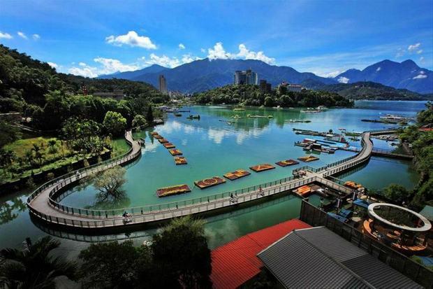 Khung cảnh lãng mạn ở hồ Nhật Nguyệt Đài Trung