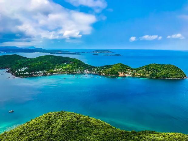 Phú Quốc được thiên nhiên ưu ái ban tặng nhiều cảnh đẹp