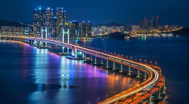 Thành phố Busan hiện đại, lung linh vào ban đêm
