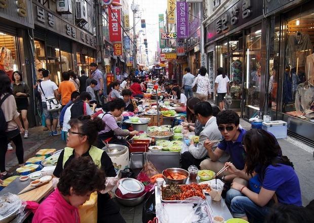 Kim chi - đặc sản truyền thống của Hàn Quốc được du khách ưa chuộng