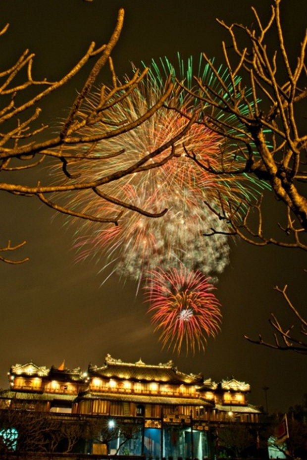 Bắn pháo bông đêm Giao Thừa ở Huế