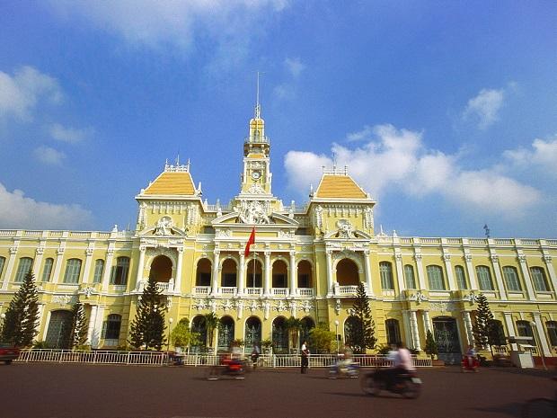 vé máy bay từ Pleiku đi Tp Hồ Chí Minh
