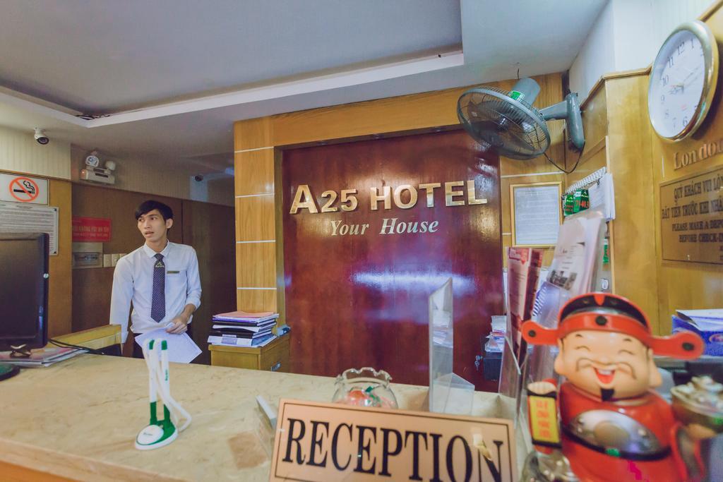 Khách sạn a25 13 bùi thị xuân