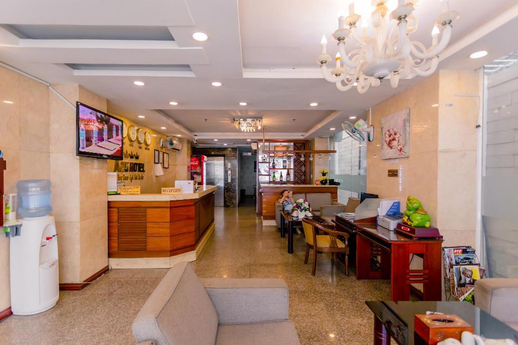 quầy lể tân khách sạn a25 lương hữu khánh