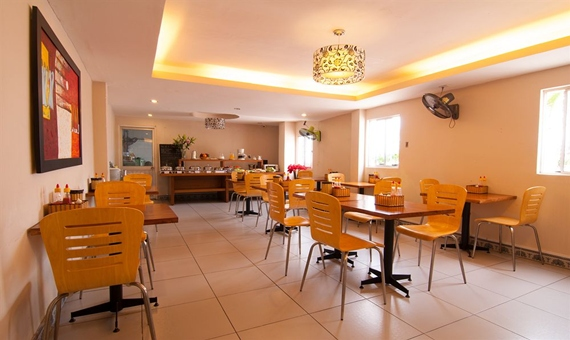 Nhà hàng tại khách sạn A25 13 Bùi Thị Xuân