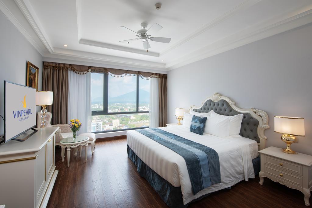 Phòng deluxe Khách sạn Vinpearl Tây Ninh