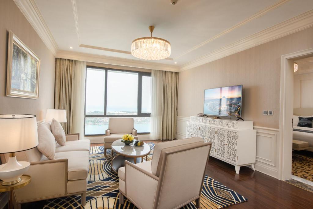Phòng executive suite Khách sạn Vinpearl Tây Ninh