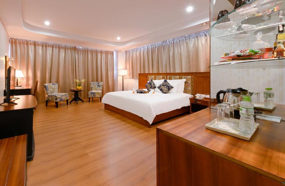 Phòng premier Khách sạn Mường Thanh Luxury sông Hàn