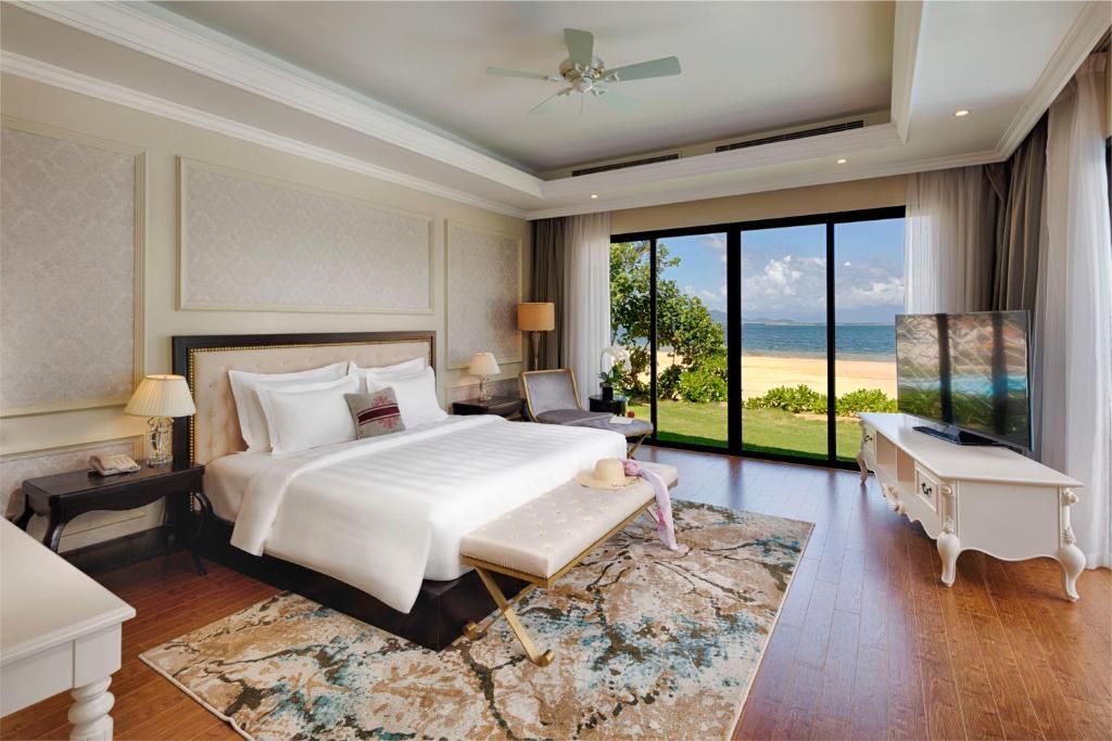 Biệt thự 4 phòng ngủ hưởng biển Vinpearl Discovery 2 Nha Trang